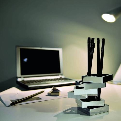 Zick Zack Pen Holder - A Pen Holder that Looks Great on any Desk