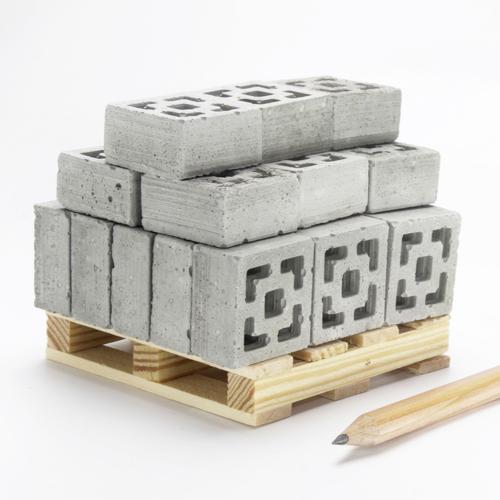 1:12 Breeze Blocks: 24 Pack   Pallet