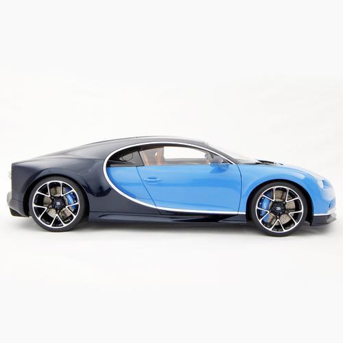 Bugatti | Chiron 2016 | Amalgam | 1:8 Scale Model Car