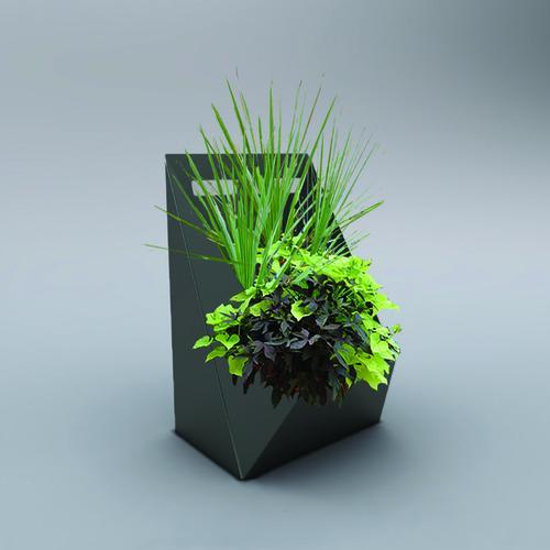 Patience Garden Planter   Decorpro